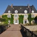 Kamers en huisjes op de Château de Bezonnais