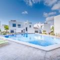 Prachtige nieuwe villa in de buurt van het strand