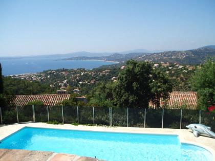Les issambres rustige villa weergave prachtige zee piscins priv vakantiehuizen te huur - Pergola provencaalse ...